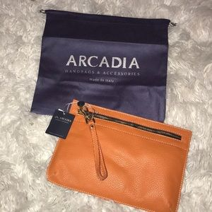 Arcadia Bags - 🔥Arcadia leather zip front wristlet wallet🔥✨✨✨